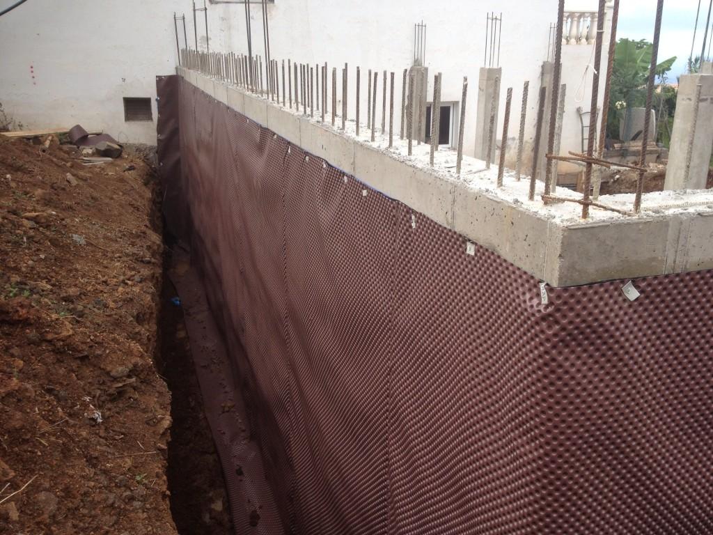 Trasd s de muro el sauzal for Huevera construccion precio